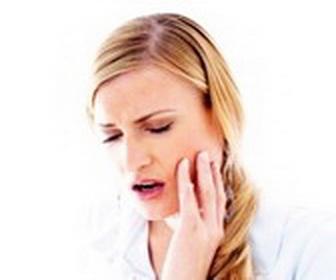 Как быстро снять зубную боль? Советы стомалотолога